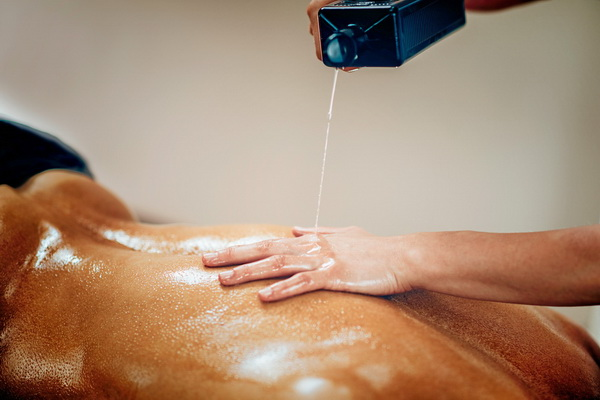 pouring massage oil